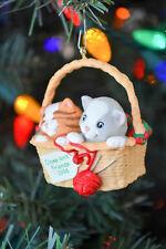 Hallmark - Close-Knit Friends - Collector Series - Classic Ornament