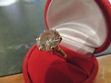 Bague or jaune 18 carats sertie d'une pierre de synthèse