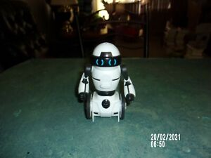 WOO WEE WHITE ITERACTIVE ROBOT MODEL 0820 TESTED!