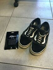 VANS OLD SKOOL shoes preowned Size 7 Mens or Size 9 Womens + Free NEW Laces