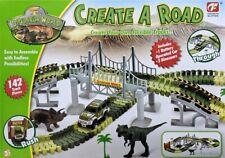 Kinder Spielzeug Set Dinosaurier Auto Rennbahn Rennstrecke Dino Park 153 Teile