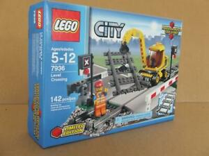 *New* 7936 Lego City Train Level Crossing Limited Sealed Box Rare Set (Retired)