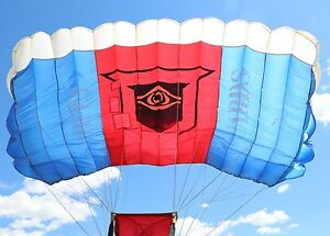 StratoCloud 240 skydiving parachute British Army Guards Armored Division +risers