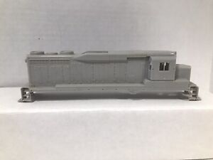 HO Scale Bachmann Spectrum? GP30 Undecorated Shell