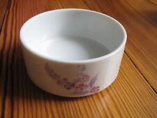2 Kleine runde Schalen aus Porzellan mit lila Blumen Muster wie NEU