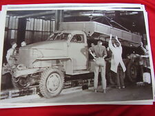 1940 'S  STUDEBAKER ARMY TRUCK ASSEMBLY LINE  11 X 17   PHOTO   PICTURE