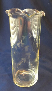 Clear Glass Flower Vase with Ruffles on Top & Swirling Foliage aroun the vase