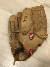 Louisville Slugger 13.5 in. Left Handed Baseball Softball Glove