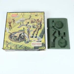 Airfix Beachead Playset w/ Gun Emplacements German & British Infantry HO-OO