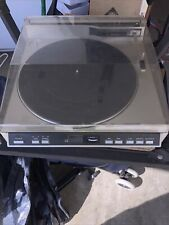 New listing Realistic Lab-2100Linear Tracking Direct-Drive Automatic Turntable