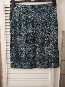 Lovely Ladies Skirt Size 16