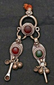 Amulet Of Toothpick And Ear Cleaner Shape With Attach Red & Green Gemstone S 763