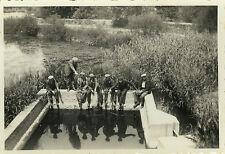 PHOTO ANCIENNE - VINTAGE SNAPSHOT - PÊCHEUR PÊCHE BASSIN DRÔLE - FISHERMAN FUNNY