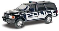 Revell SnapTite Ford Expedition Police SSV 1/25 model kit new 1972