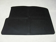 VW Golf MK5 2004-2009 Tailored Rubber Boot Mat in Black