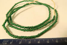 Alte Seed beads grün 3mm AP43 Old African Trade Seed Beads green Afrozip