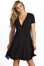 Boohoo Viscose Regular Size Dresses for Women