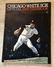 NEAR-MINT 1969 Chicago White Sox Yearbook with 15 AUTOGRAPHS! Tommy John!