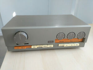 Quad 33 preamp and 303 amplifier