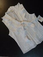 Quizz Ruffle Front Bow Sleeveless Top Blouse Sz M White Silver Lurex Button Up