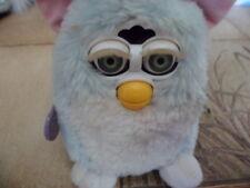 Furby Blau Weiss Rosa Tiger Electronic Spricht Furby Deutsch mit Marke an seite