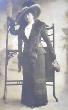 LADY w/ EDWARDIAN DRESS LARGE BRIM HAT w/ FEATHER & MINK STOLE CABINET PHOTO PC