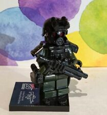 4 X SWAT soldier minifigs Green with weapon,helmet,armor, fit with other brands