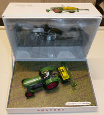 UNIVERSAL HOBBIES 1/32ND TRACTOR MODEL FENDT FARMER 2 WITH AMAZONE SPRAYER