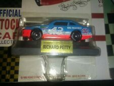 New 1992 Road Champs 1:64 Diecast NASCAR Richard Petty STP Pontiac Grand Prix q1