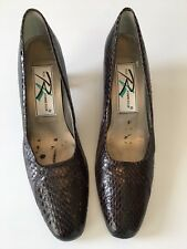 Ros Hommerson Shoes Women's Size 7 (4A) Brown Snakeskin Pumps Closed Toe Heels