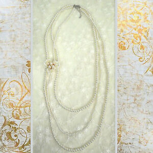ConMIGoJ010078 three strings of pearls with removable triple flower pearl brooch