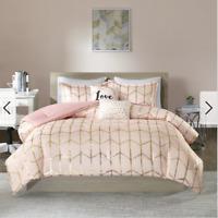 Intelligent Design Khloe Comforter Set Twin 4 Piece Blush Pink and Gold New