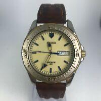 Vintage Seiko Mens 7N43-8B20 Brown Leather Band Luminous Sport Watch READ