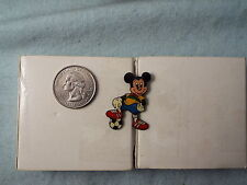 DISNEY PIN MICKEY MOUSE SOCCER PLAYER