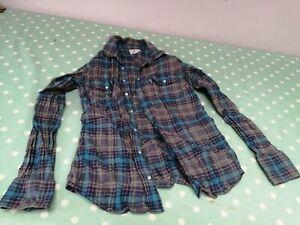 Levi womens shirt Size Small