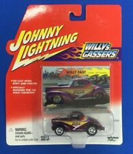JOHNNY LIGHTNING 1:64 SCALE WILLYs GASSERS WILLY FAST ART GUSTAFSON (PURPLE)