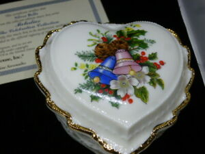 Heritage House Melodies Of Christmas  Music Box Plays Silver Bells NIB COA