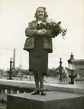 Mlle Ginette Catriens élue Mademoiselle de France, 1939, vintage silver print Vi