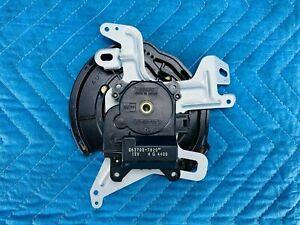 Lexus ES300 ES330 HVAC Heater Blend Door Actuator 87106-06130 2002-2006 OEM