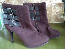 Clarks Boots Size 6.5D