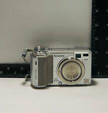 Fuji FujiFilm Finepix E550 Digital Point and Shoot Camera