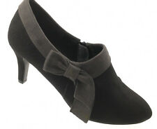 Covington Shoes Ladies Size 6 M Black and Grey Side Zippers 3 inch Classic heels