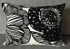 "Handmade 12 x16"" pillow cushion case cover from Marimekko Kurjenpolvi fabric"