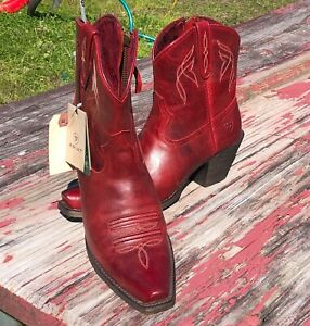 ARIAT RED SHORT BOOT SIZE 7.5B (retail $149.99)