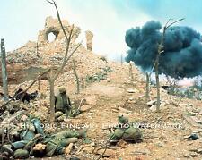 VIETNAM WAR PHOTO US MARINES FIGHTING DURING TET OFFENSIVE 1968 #22122