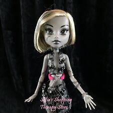 Monster High Doll Black & White Frankie Stein Skull Doll Shores Mattel 2008 RARE