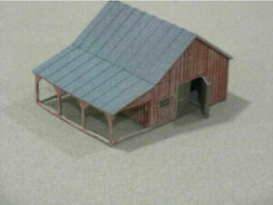 HO Scale Small Barn with accessories. 3D printed kit High Detail (Gray)