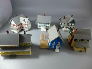 N Scale Houses 6 Units Woodland Scenics?