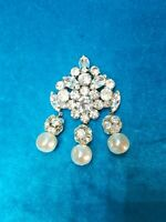 Vintage JULIANA D&E Ice Rhinestones And Faux Pearls Dangling Pin/Brooch. #1042