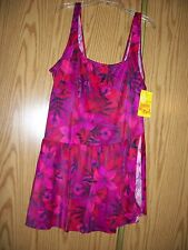 PLUS LADIES 1 PC SKIRTED SWIMSUIT...NEW W TAGS   SIZE 48  (2-3X)
